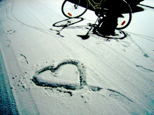 Heart_in_snow