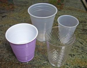 Plastic_cups