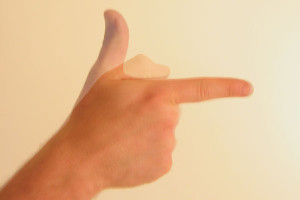 Gesture_thumb_up_then_down_forefinger_out_like_gun